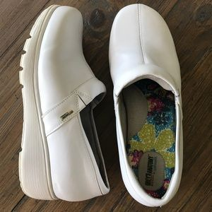 Grey's Anatomy by Softwalk size 10 white shoes